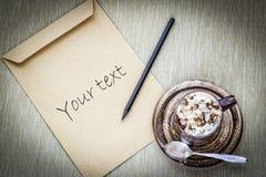 Kaffe med anmärkningar Arkivfoto