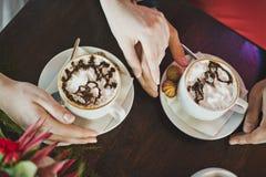 Kaffe med etiketten på skumet 5868 Fotografering för Bildbyråer