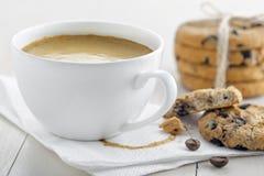 Kaffe med kexar Royaltyfria Foton