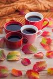 Kaffe med vänner royaltyfria foton