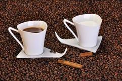 kaffe mjölkar Arkivfoton
