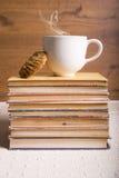 Kaffe och böcker Royaltyfri Foto