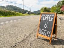 Kaffe och bakelser Royaltyfri Bild