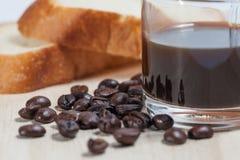 Kaffe och bröd Royaltyfri Bild