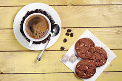 Kaffe- och chokladkakor Fotografering för Bildbyråer