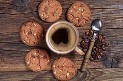 Kaffe- och chokladkakor Royaltyfri Bild