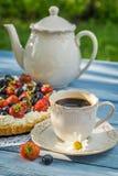 Kaffe och frukt som är syrliga för efterrätt Royaltyfri Foto