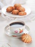Kaffe och kaka Royaltyfria Bilder