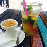 Kaffe- och mintkaramelllemonad Royaltyfri Bild