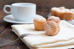 Kaffe och muffin Royaltyfria Bilder