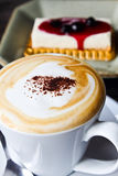 Kaffe och ostkaka Royaltyfri Fotografi