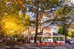 Kaffe och Restauran Casa Lucca i villan Devoto, Buenos Aires Royaltyfri Fotografi