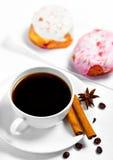 Kaffe och sötsaker Arkivbild