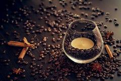 Kaffe och stearinljus Royaltyfri Fotografi