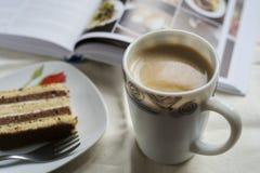 Kaffe och tårta Royaltyfri Foto