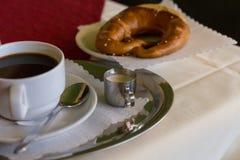 kaffe- och tyskkringla royaltyfria bilder