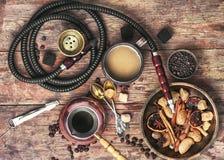 Kaffe och vattenpipa Arkivbild