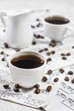 Kaffe på anmärkningsark Arkivbild