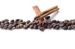 Kaffe på en vit bakgrund Arkivfoto
