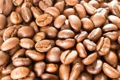 Kaffe på grungeträbakgrund Fotografering för Bildbyråer