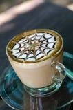 Kaffe på wood bakgrund Royaltyfri Foto