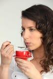 kaffe som har kvinnan Arkivbild
