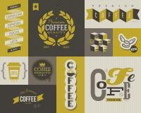 Kaffeaufkleber und -abzeichen. Satz vektorentwurfselemente. Lizenzfreies Stockfoto