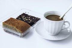Kaffeavbrott med efterrätten Arkivbild