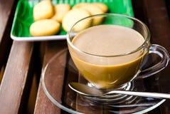 Kaffeavbrott med kakor. Royaltyfri Fotografi