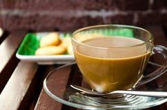 Kaffeavbrott med kakor. Royaltyfri Foto