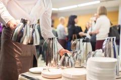 Kaffeavbrott på affärsmötet Arkivbilder