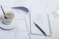 Kaffeavbrott på en arkitekt Royaltyfri Bild