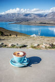 Kaffeavbrott på sjön Tekapo i den södra ön , Nya Zeeland Royaltyfri Fotografi