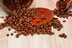 Kaffebönor, kopp kaffe Royaltyfria Foton