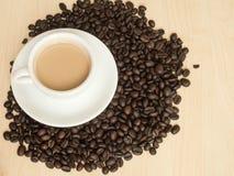 Kaffebönor och kaffe rånar Fotografering för Bildbyråer