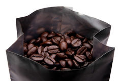 Kaffebönor paketerar in Royaltyfria Foton