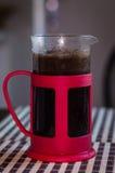 Kaffedykare, fransk press Arkivfoton