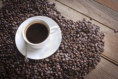 Kaffee beans&Coffee Lizenzfreie Stockbilder