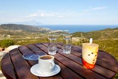 Kaffee, Berge und Meer Lizenzfreies Stockfoto