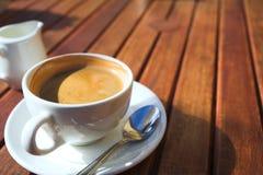 Kaffee des frühen Morgens Lizenzfreies Stockfoto