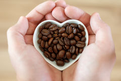 Kaffee in Form von Herzen stockfotografie