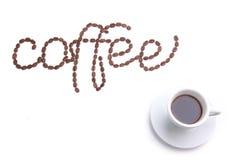 Kaffee gebildet von den Kaffeebohnen stockfoto