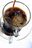 Kaffee gegossen Stockfoto