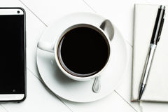 Kaffee im Büro stockfotos
