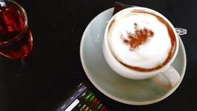 Kaffee im Glas stock video