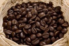 Kaffee im Korb Stockfoto