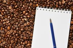 Kaffee ist der beste Anfang zum Tag stockfoto