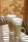Kaffee Latte in einem hohen Glas Lizenzfreie Stockfotografie