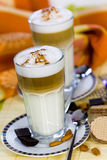Kaffee Latte Macchiato in einem Glas Stockfotografie