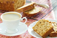 Kaffee mit Apfelkuchen Stockfotografie